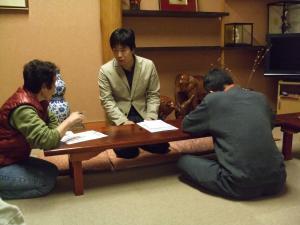 花巻市内の温泉旅館で開かれた事前説明会