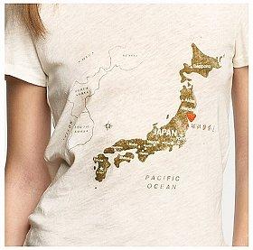 抗議を受けて「Sea of Japan」を削除したTシャツ(J.CREWのウェブサイトより)