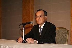 菊川前会長の姿はなく… (写真は、オリンパスの高山新社長、10月26日の記者会見で)
