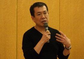 日本インターネット報道協会で講演する佐々木俊尚さん