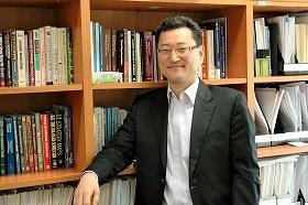 西江大学経営大学院の金龍辰教授