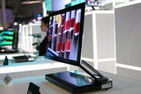 有機ELテレビはソニーが「元祖」だったが(写真は2007年の「CEATEC JAPAN」)