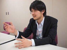 新型ラクティスは「一家に1台のクルマ」と話す、トヨタマーケティングジャパンの三枝氏