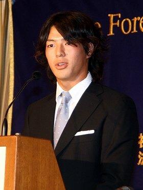 日本外国特派員協会で講演する石川遼選手