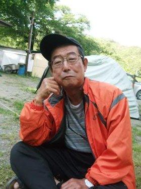 「助けられた命。おばあさんに恩返しをしなければ」と語る佐々木さん=安渡小学校の避難所で