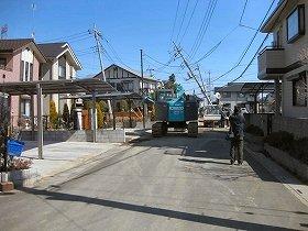 南栗橋12丁目では、電柱や家が傾くほどだった(写真提供:久喜市)
