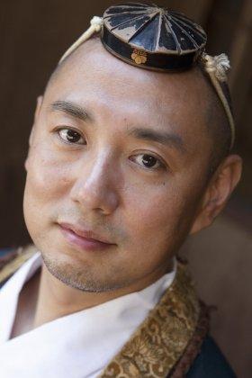 本書に登場する高尾山薬王院の佐藤秀仁氏(41)。2003年、NYグラウンドゼロの法要ではホラ貝を吹いた。(撮影 笹沢賢一)