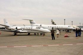 空港では多数のビジネス機が展示された