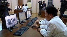 朝鮮中央通信が配信した管制室の様子。モニター、マウス、キーボードしか確認できない