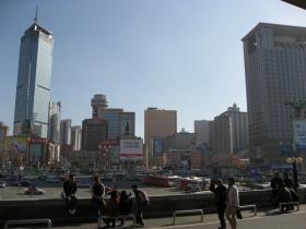 薄氏と谷氏が1980年代に初めて会った大連は近代都市に成長