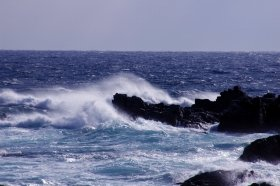 日本海の表記をめぐる議論は電子海図へ(写真はイメージ)