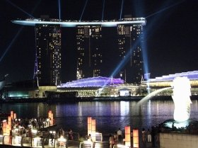 大学生はシンガポールやマレーシアを転々としている模様だ