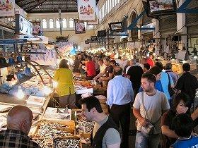 アテネの中央魚市場。通常より客足は少ないが活気はある(写真提供:Gavriil Xanthopoulos氏)