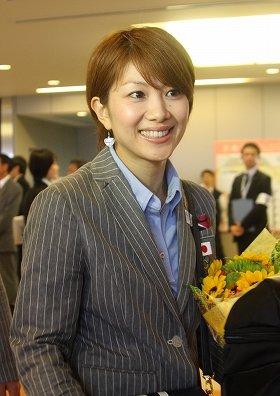 ロンドンに向けて成田空港を出発する潮田玲子選手