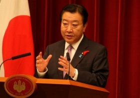 内閣改造について会見する野田佳彦首相