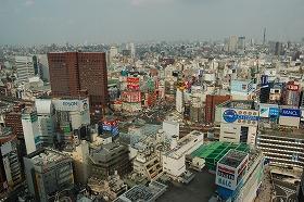 「リート人気が復活している」(写真は、東京・新宿界隈)