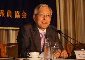 講演する韓国のシン・ガクス駐日大使。日本語にも堪能だ