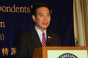 前原誠司経済財政・国家戦略担当相は「日銀には強力な金融緩和を進めてもらわないといけない」と述べた