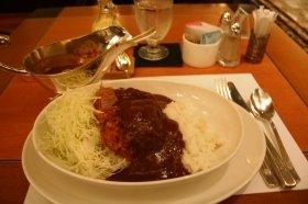 安倍氏が食べたとされる「3500円カツカレー」(12年9月、ホテルニューオータニ東京「SATSUKI」で撮影)