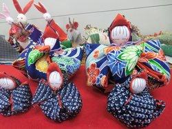内響仮設の皆さまが制作された作品(宮城県東松島市内響仮設住宅、2012年3月8日)