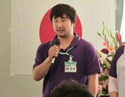仮設歯科診療所の所長を務める河瀬総一朗氏(2012年6月4日)
