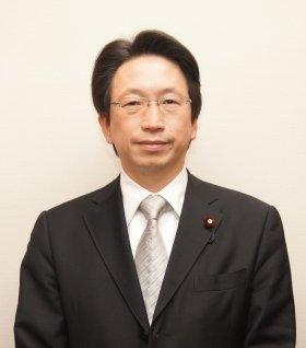3月7日、議員会館でインタビューに応えた平将明氏。これから重要なのは、「ネットが社会にもたらす変化を想像できるかどうか」と語った