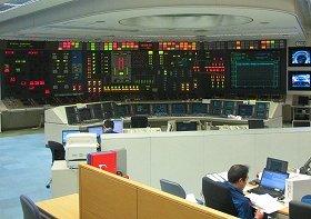 7号機の中央制御室。12時間交代で勤務する