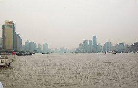 上海中心部を流れる黄浦江