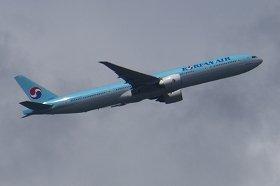 大韓航空機は成田に「緊急」着陸したのか(写真は同型機)