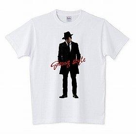 人気上々の「麻生ファッション」Tシャツ