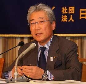 会見した日本オリンピック委員会(JOC)の竹田恒和会長。東京の安全さや会場のアクセスの良さを強調した