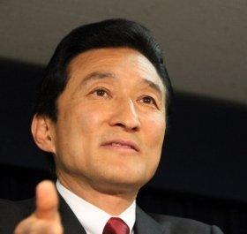 自民党本部で5月31日、出馬会見に臨む渡邉美樹・ワタミ会長