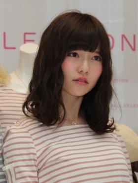 島崎遥香さんは「困り眉」代表!?(13年3月撮影)