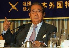 発言が波紋を広げる石原共同代表(2012年11月20日撮影)