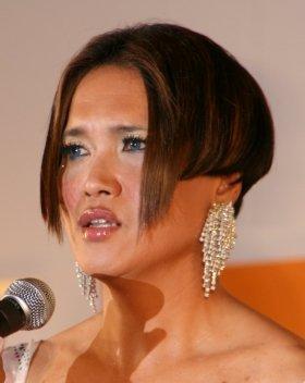 IKKOさんはウィッグを着用しているが、ツーブロックでサイドの毛を下ろすとこういう髪型になる(07年12月撮影)