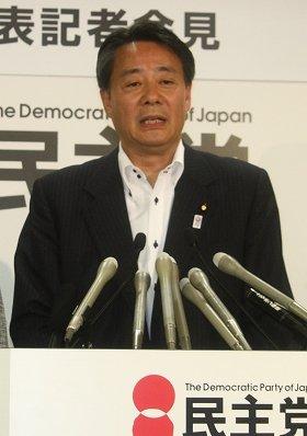 世論調査の結果に海江田氏は「そのとおり受け止める」(写真は2013年6月のマニフェスト発表会見)