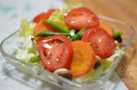 「カット野菜」は栄養価が落ちる?(写真はイメージ)