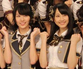 総選挙で躍進した松井珠理奈さん、松井玲奈さん(左から、12年11月撮影)