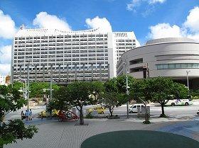 沖縄県への交付金の使い道はどうなる(写真は沖縄県庁)