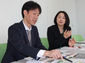 東日本高速道路事業開発本部の芝尾光弘氏と小熊彩子氏