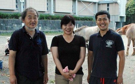 「夢ハウス」に関わっている、左から藤原茂さん、笹原留似子さん、吉山周作さん