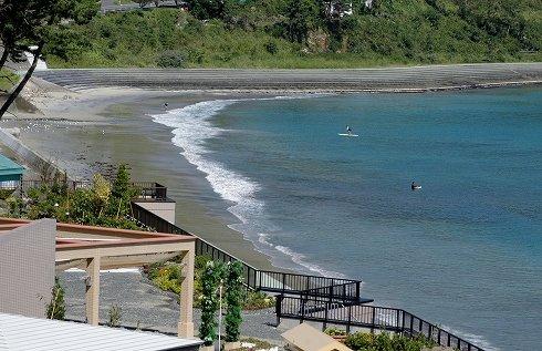ホテルから見える浪板海岸=2013年9月18日、大槌町浪板海岸