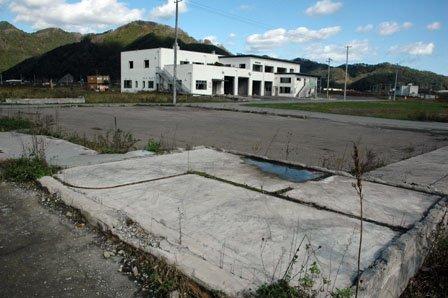 鵜住居地区防災センターは年内解体の方針が決まった=2013年10月27日、釜石市鵜住居町