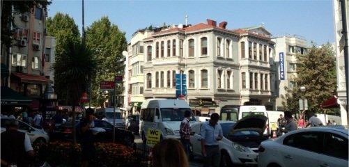 活気あふれるトルコの市街地