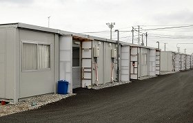 東日本大震災で津波被害を受けた千葉県旭市の仮設住宅(2012年3月撮影)