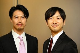 次期社長の森田仁基執行役員(左)と朝倉祐介社長