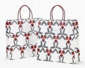 4月から採用される紙袋は友禅訪問着のデザインを反映している