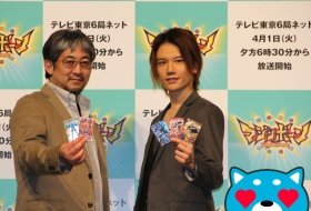 左から宇田鋼之助氏、KENNさん。カス丸もイケメン声優にメロメロだ