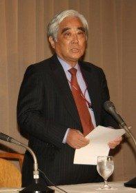 インターネット報道協会の設立会見であいさつする竹内謙さん(2008年8月撮影)