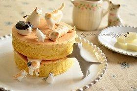 海外で話題のかわいらしい「猫ケーキ」(写真提供:キャロラインさん)